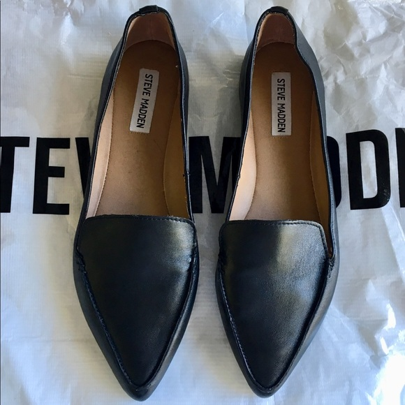 6408f86c945 NWOT Steve Madden Feather Flats Loafers